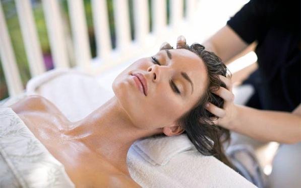 Massaggio-capelli-e-cuoio-capelluto-ecco-un-rimedio-anti-caduta-2