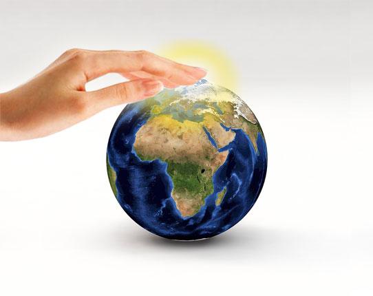 mundo-con-manos-2